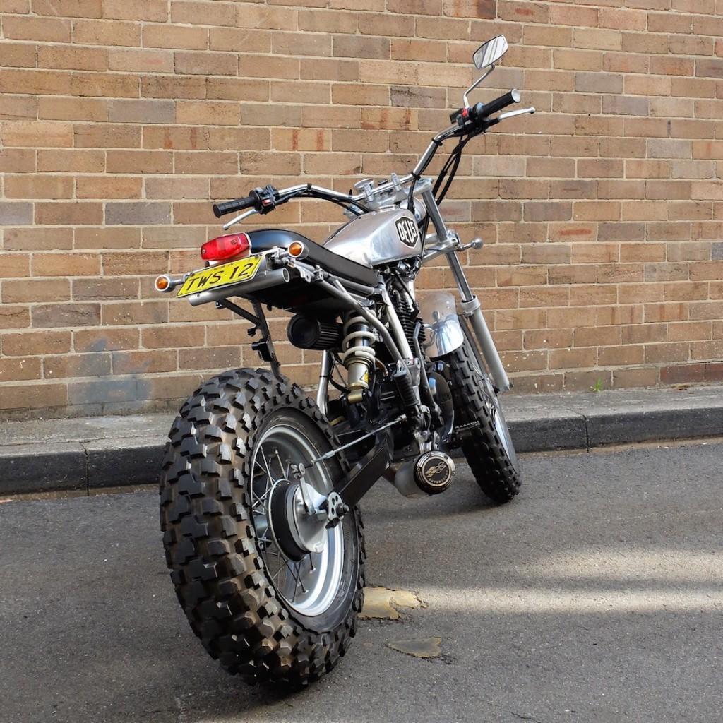 Deus TW200 motorcycle d