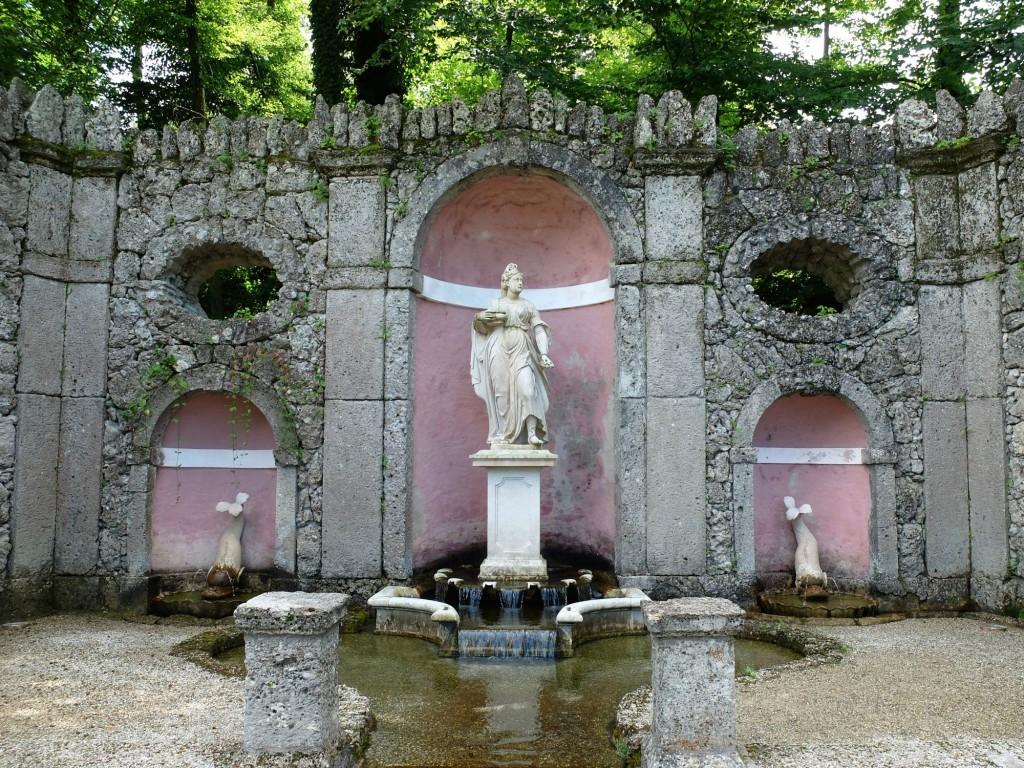 Salzburg Hellbrunn tri fountain
