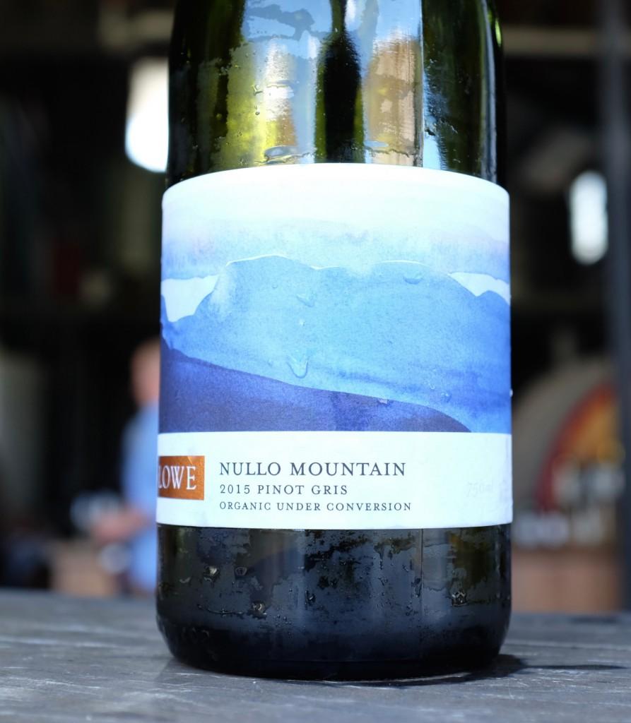 mudgee-lowe-cellar-door-wine-bottle-label