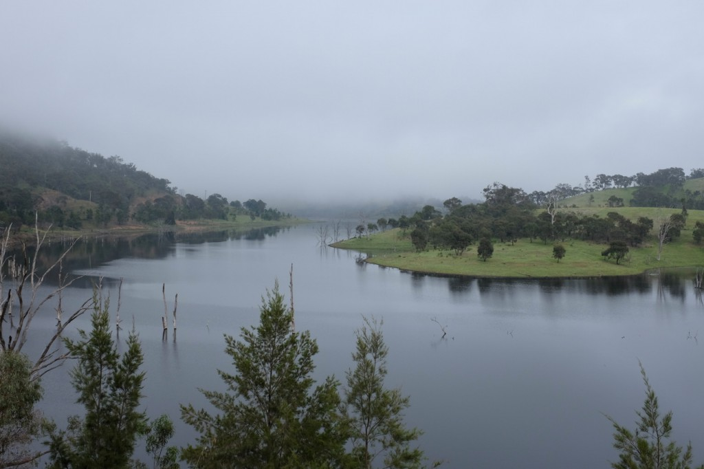 roadtrip-mudgee-windamere-dam-mist